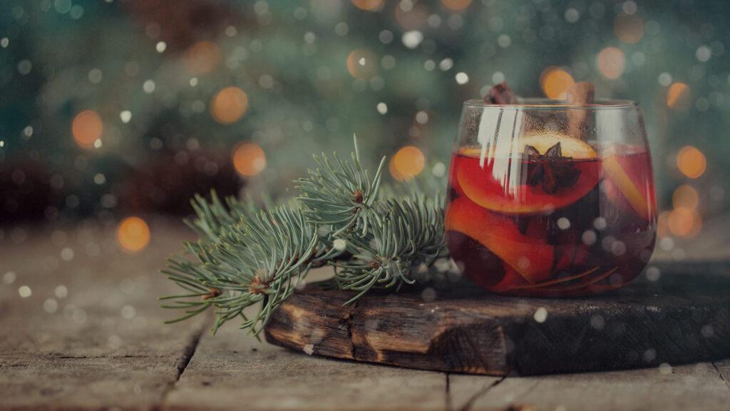 Talvinen uglögi ja laaja viini- sekä juomalista tarjolla Bistro K5 Levillä.