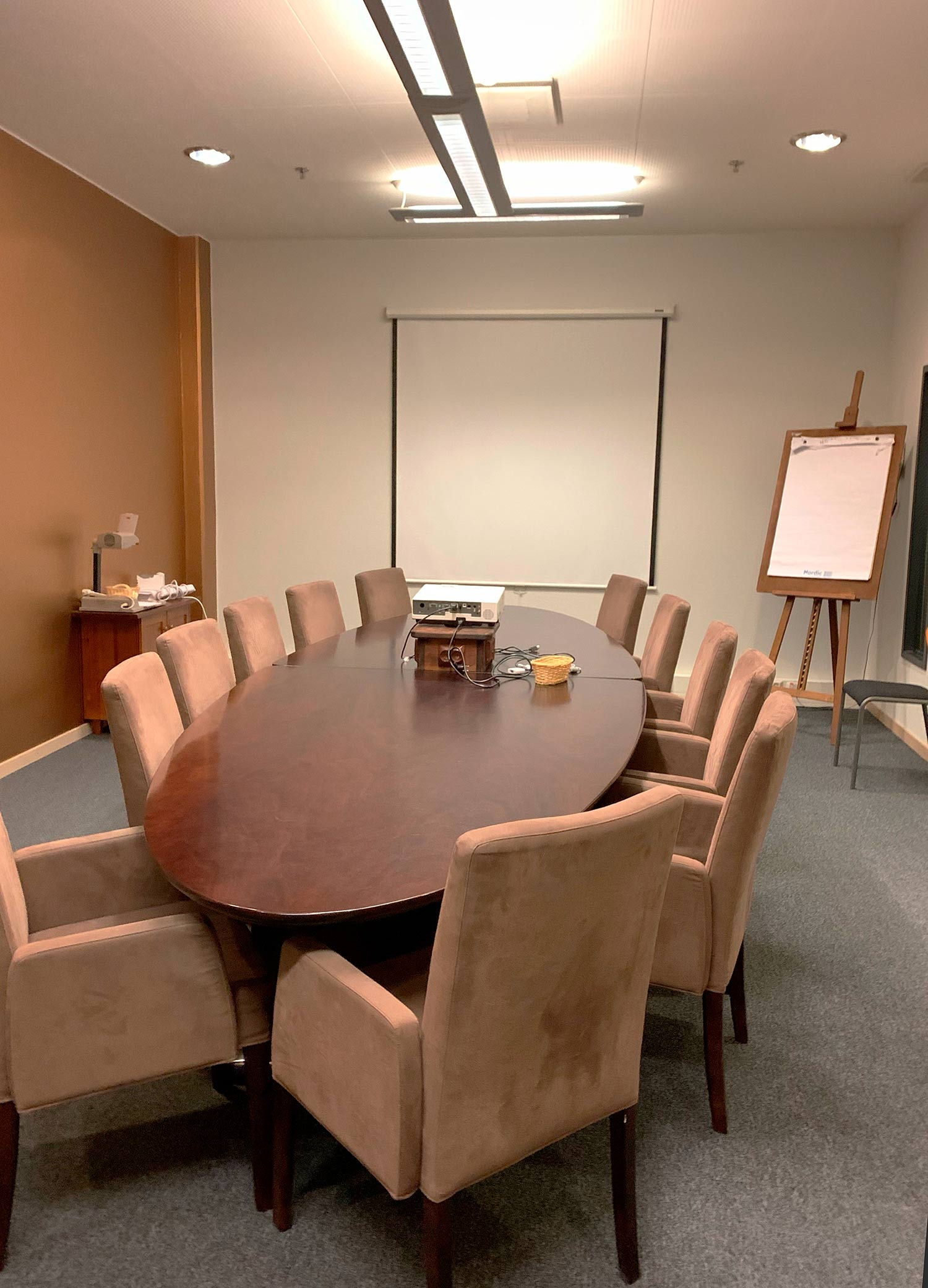 Hotel K5 Levillä on kolme kokoustilaa, kuvassa Kassiopeia kokoustila.