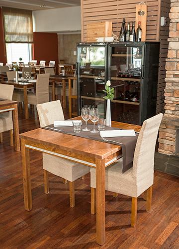 Valoisa ja viihtyisä ravintola Bistro K5 Levi palvelee myös kokousvieraita huolehtien tarjoiluista ja palvelusta.