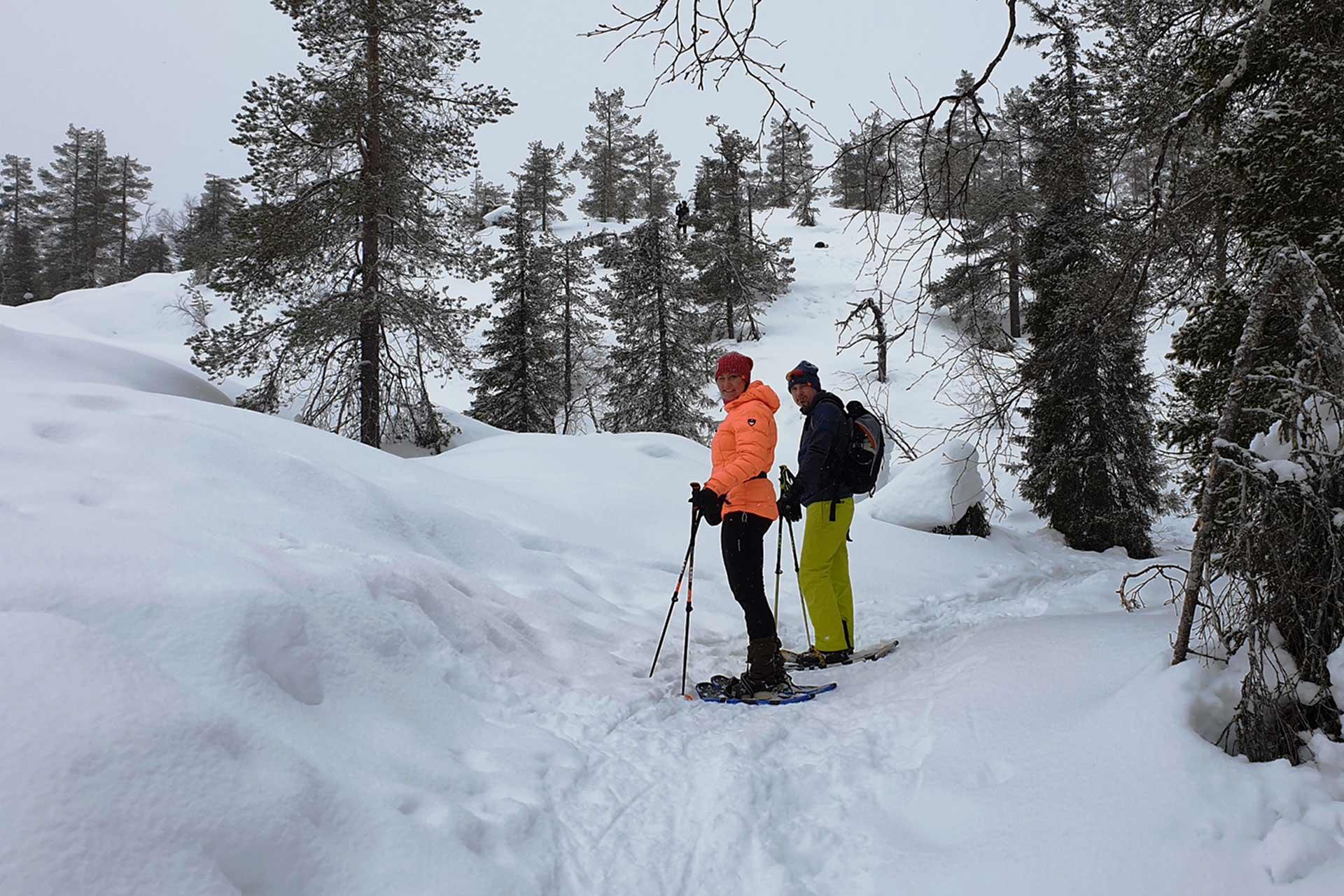 Lumikentäily on mukava aktiviteeti Levillä talvisin.